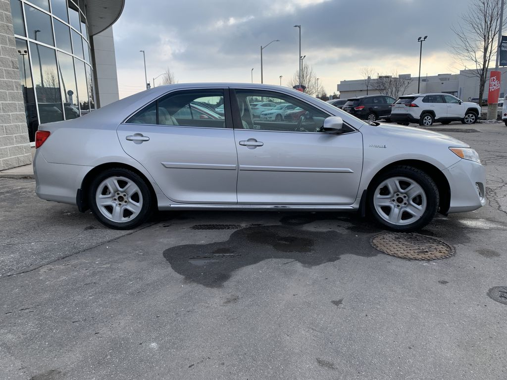 Silver 2014 Toyota Camry Hybrid Front Vehicle Photo in Brampton ON
