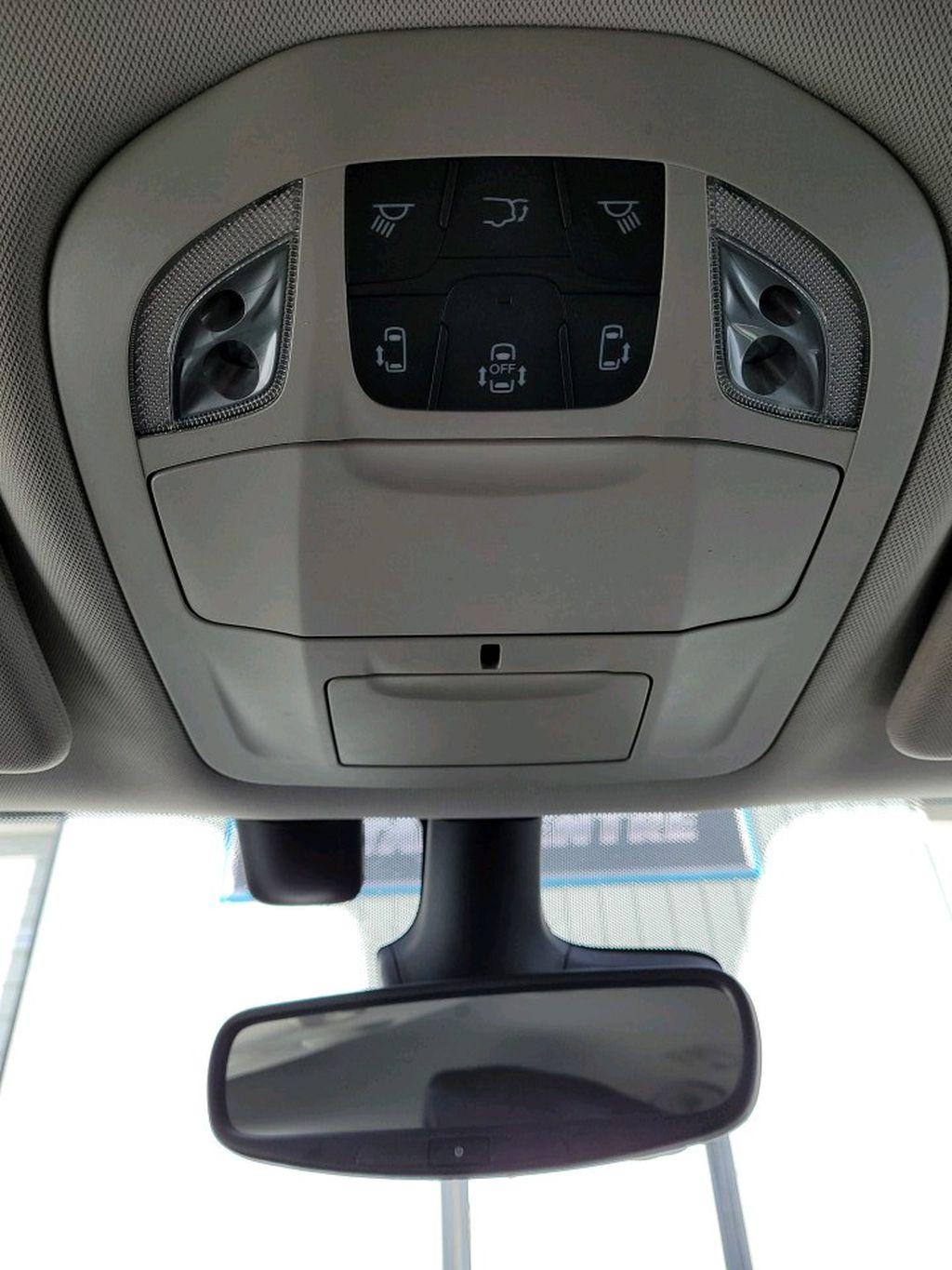 Black 2017 Chrysler Pacifica Center Console Photo in Fort Macleod AB