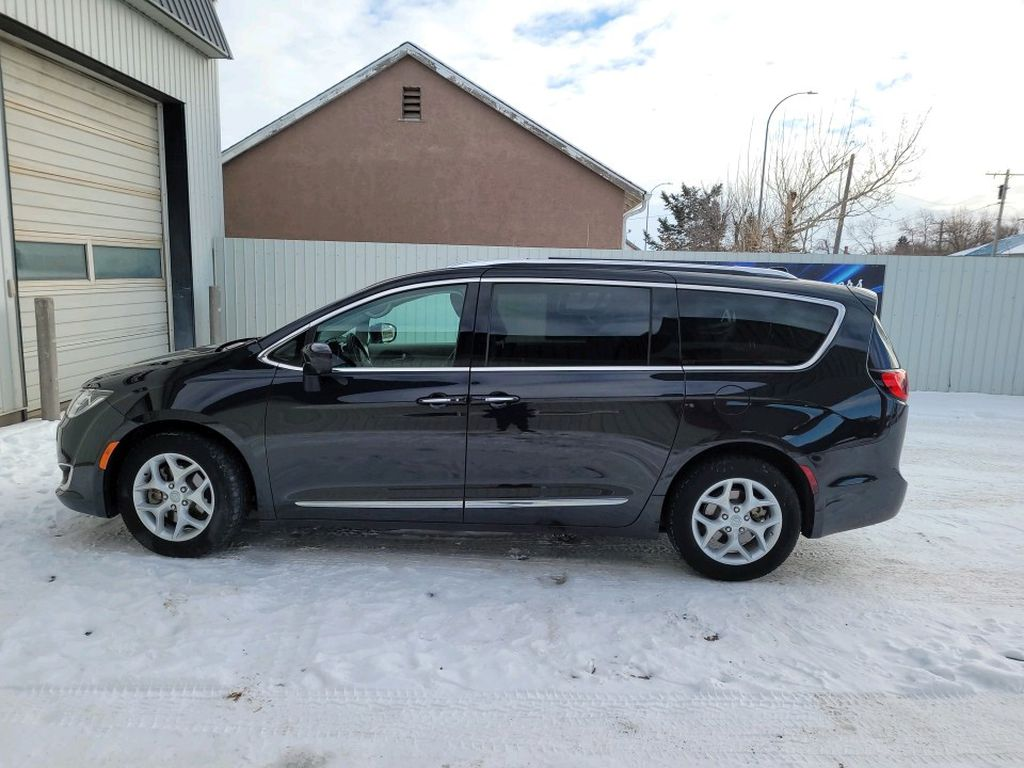 Black 2017 Chrysler Pacifica Left Front Interior Door Panel Photo in Fort Macleod AB