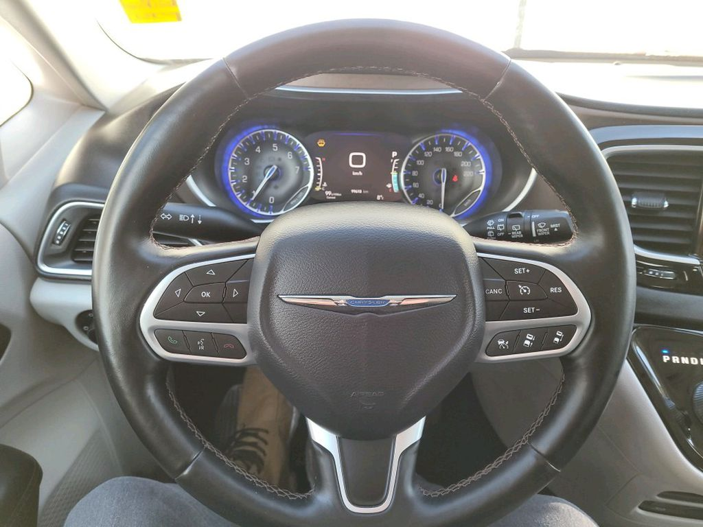 Red 2017 Chrysler Pacifica Front Vehicle Photo in Fort Macleod AB