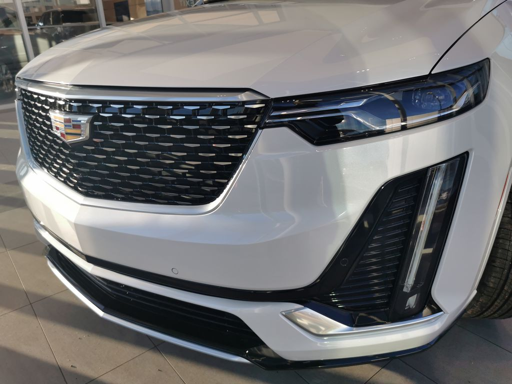 White[Crystal White Tricoat] 2021 Cadillac XT6 Left Front Head Light / Bumper and Grill in Edmonton AB