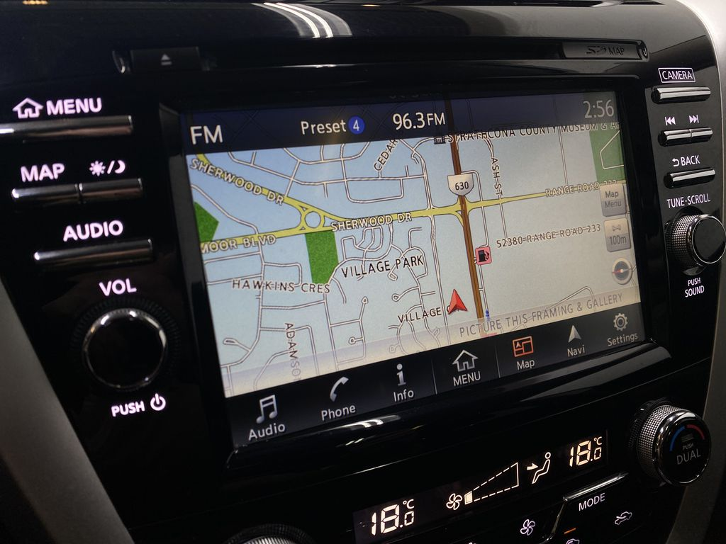 GREY 2018 Nissan Murano SV - Remote Start, Apple CarPlay, NAV Navigation Screen Closeup Photo in Edmonton AB