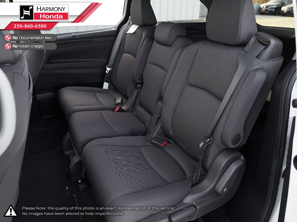 WHITE NH-883PX 2022 Honda Odyssey Right Side Front Seat  Photo in Kelowna BC