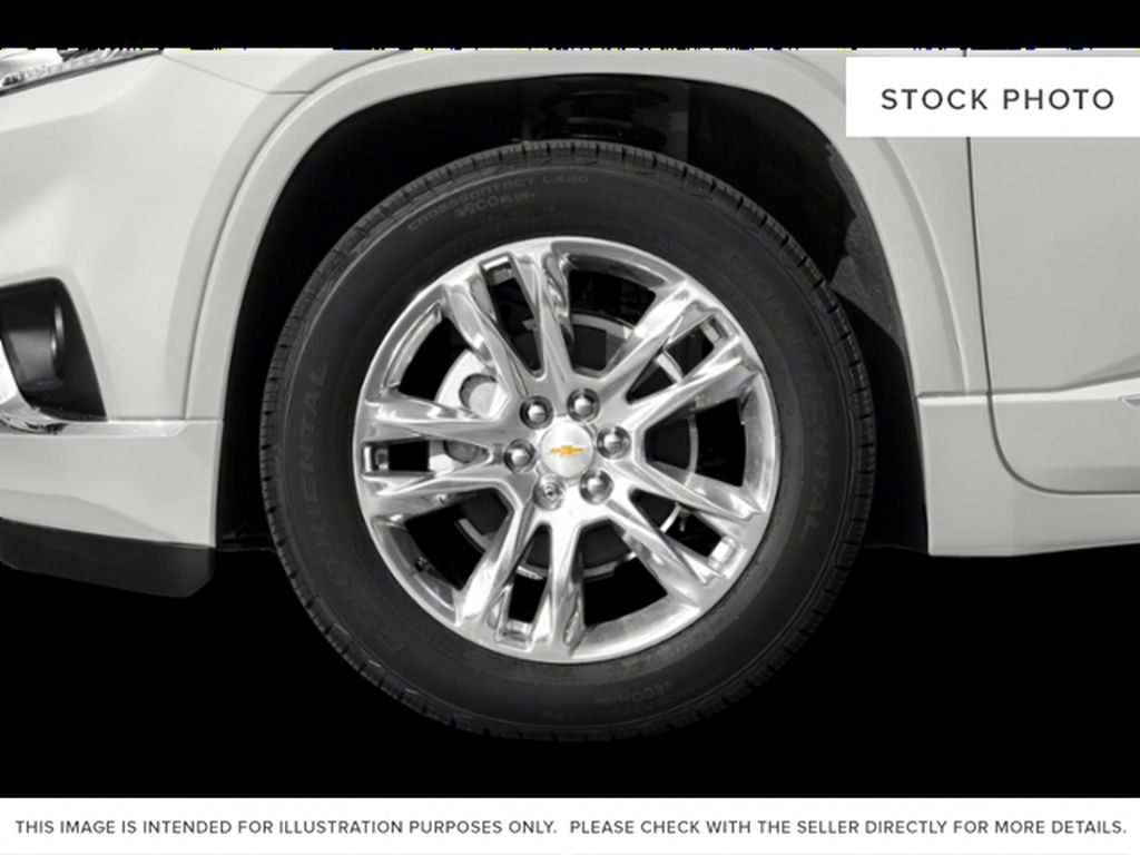 Black[Mosaic Black Metallic] 2020 Chevrolet Traverse Left Front Rim and Tire Photo in Fort Macleod AB