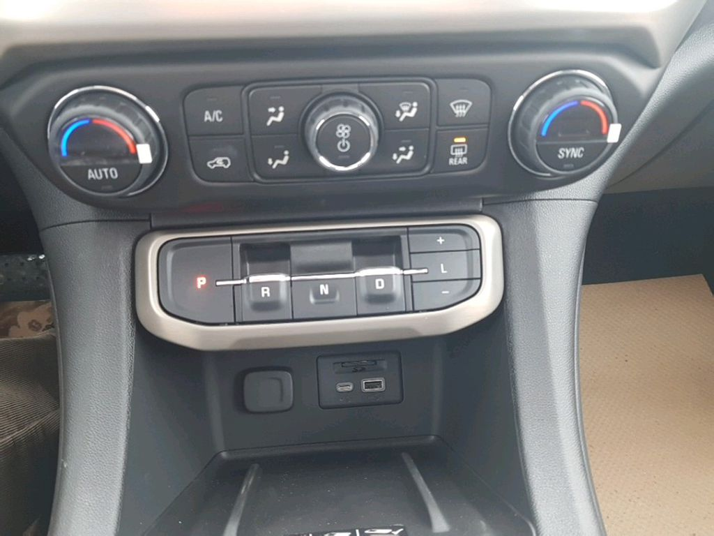 White 2021 GMC Acadia Left Rear Corner Photo in Barrhead AB