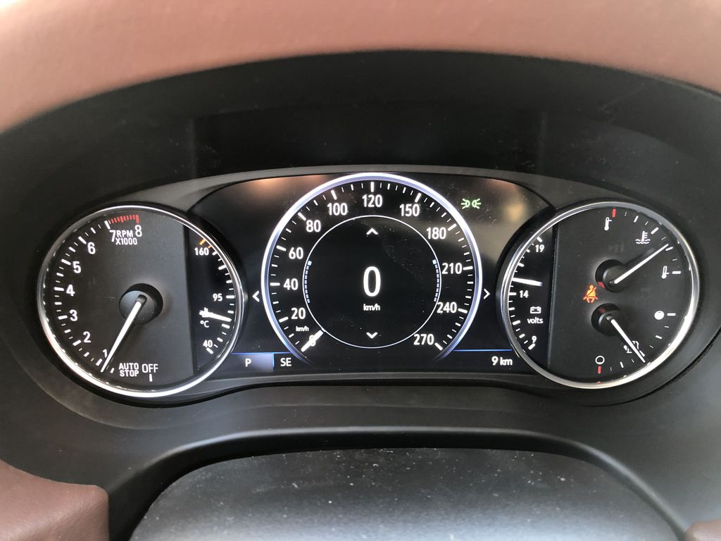 White[White Frost Tricoat] 2021 Buick Enclave Avenir Central Dash Options Photo in Canmore AB