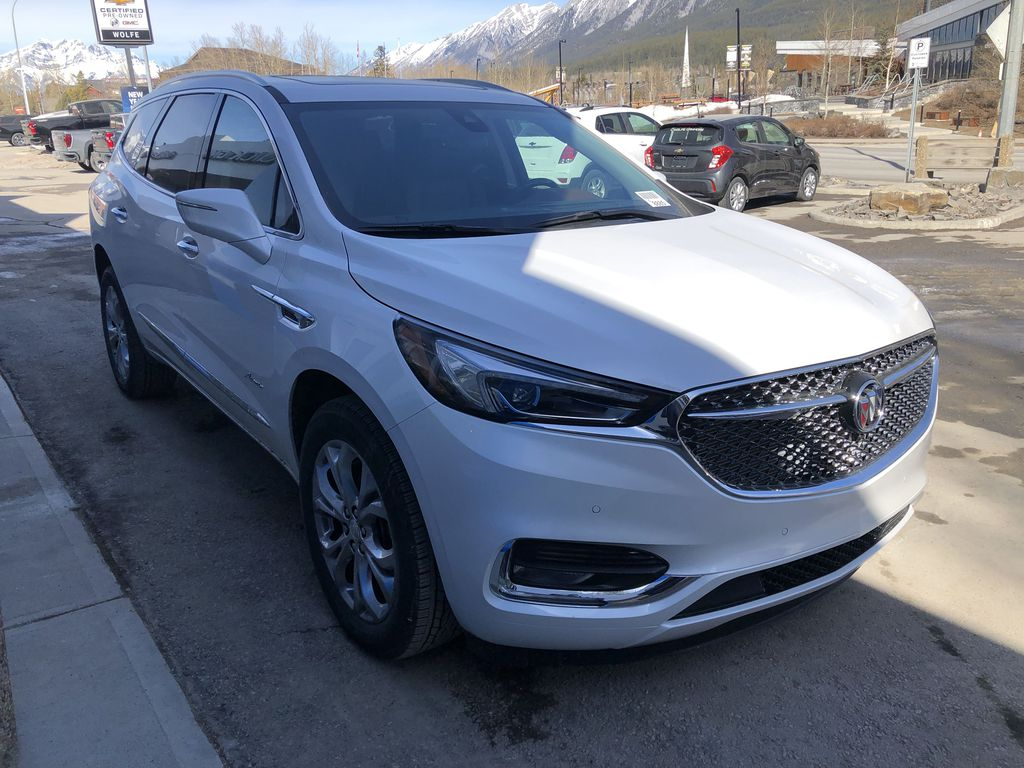 White[White Frost Tricoat] 2021 Buick Enclave Avenir Right Front Corner Photo in Canmore AB