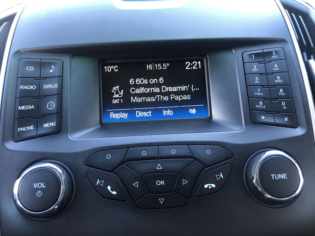 Gray[Magnetic Metallic] 2015 Ford Edge SEL Radio Controls Closeup Photo in Canmore AB