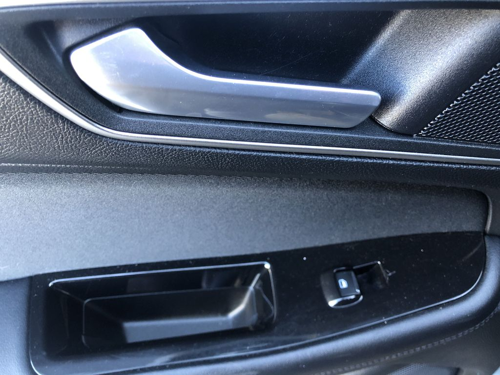 Gray[Magnetic Metallic] 2015 Ford Edge SEL LR Door Panel Ctls Photo in Canmore AB