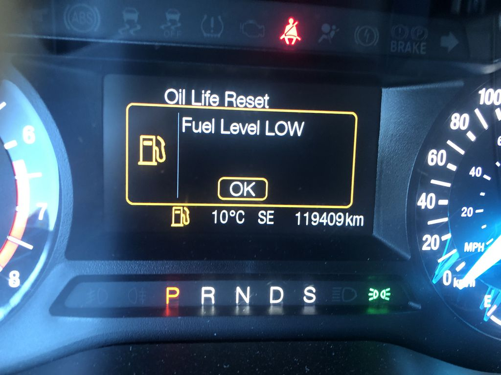 Gray[Magnetic Metallic] 2015 Ford Edge SEL Odometer Photo in Canmore AB