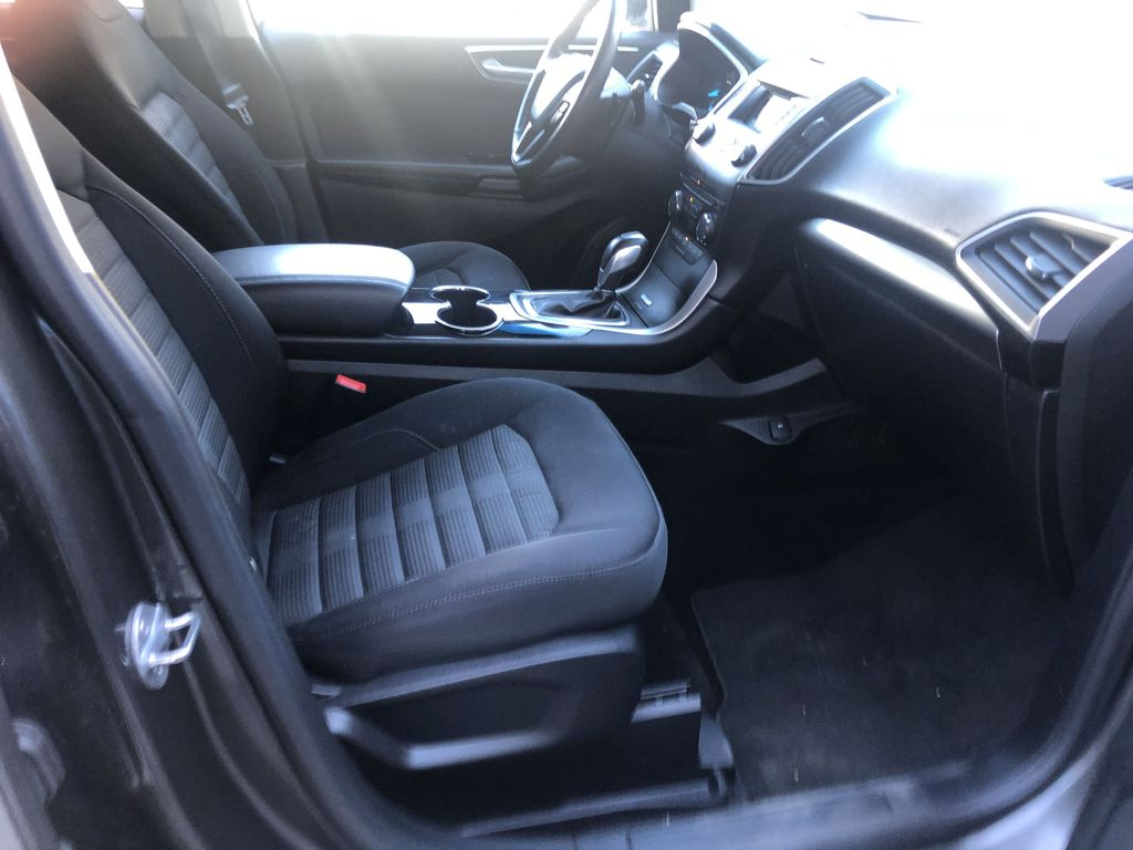 Gray[Magnetic Metallic] 2015 Ford Edge SEL Right Side Front Seat  Photo in Canmore AB