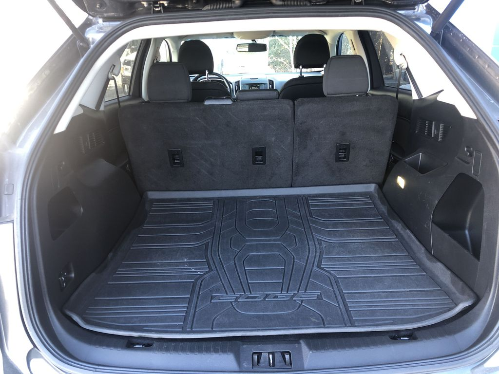 Gray[Magnetic Metallic] 2015 Ford Edge SEL Trunk / Cargo Area Photo in Canmore AB
