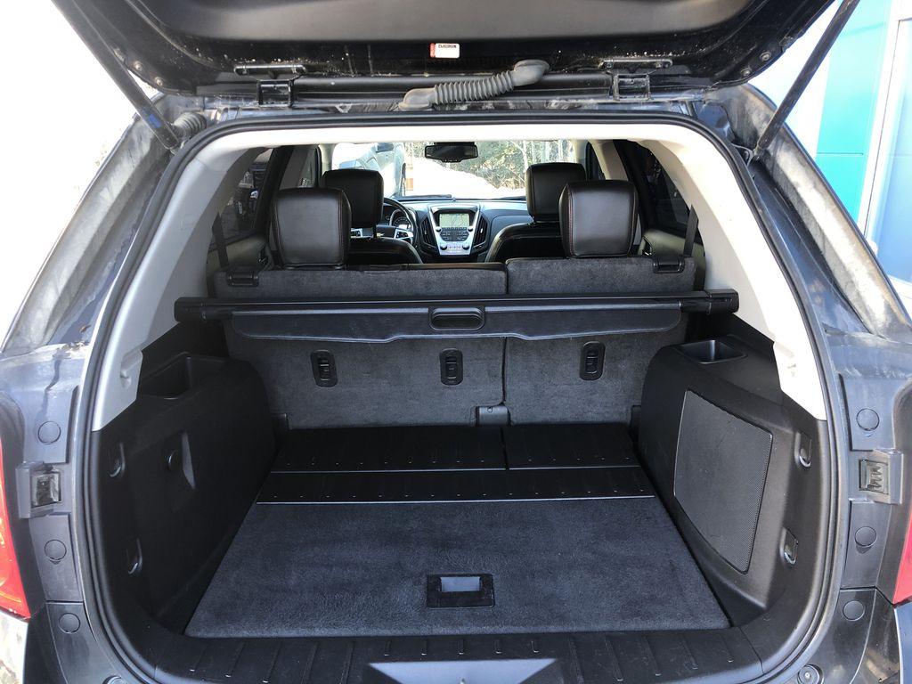 Black[Black] 2012 Chevrolet Equinox Trunk / Cargo Area Photo in Canmore AB