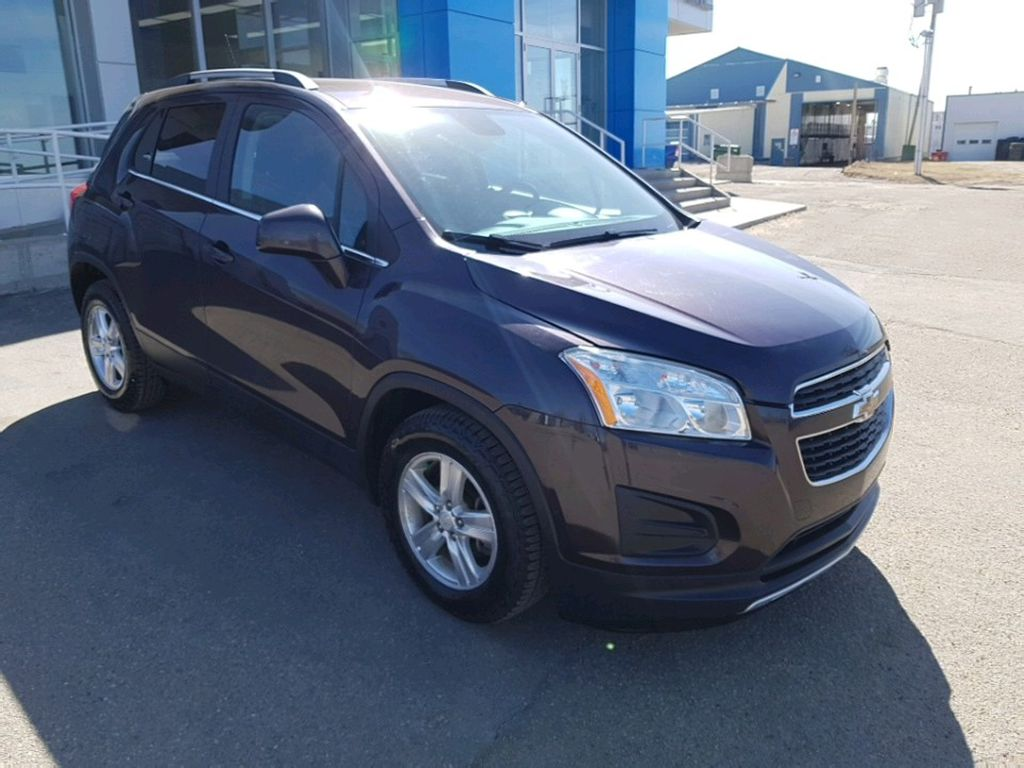 Purple 2015 Chevrolet Trax Left Front Rim and Tire Photo in Barrhead AB
