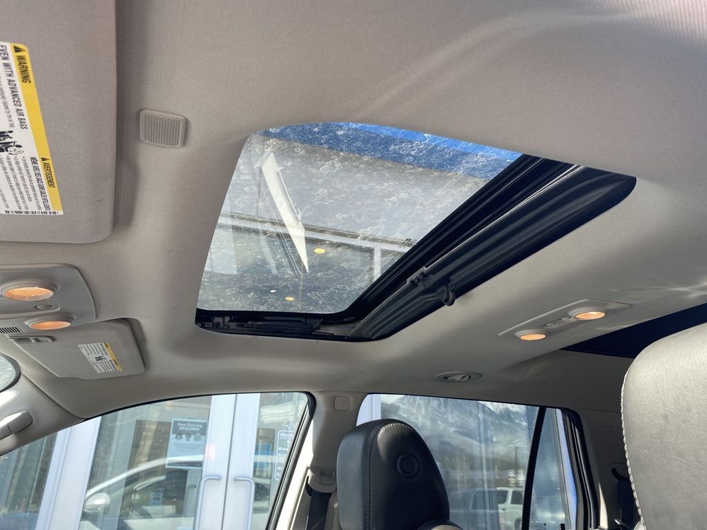 White[White Frost Tricoat] 2017 Buick Enclave Sunroof Photo in Canmore AB