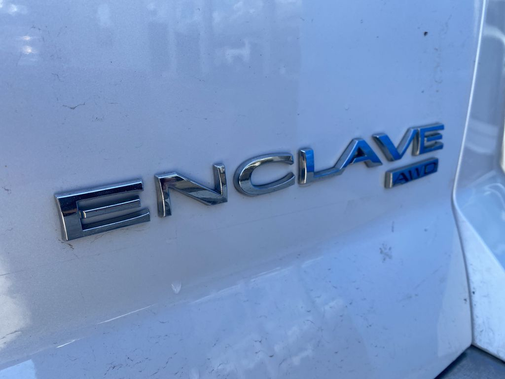 White[White Frost Tricoat] 2017 Buick Enclave Trim Specific Photo in Canmore AB