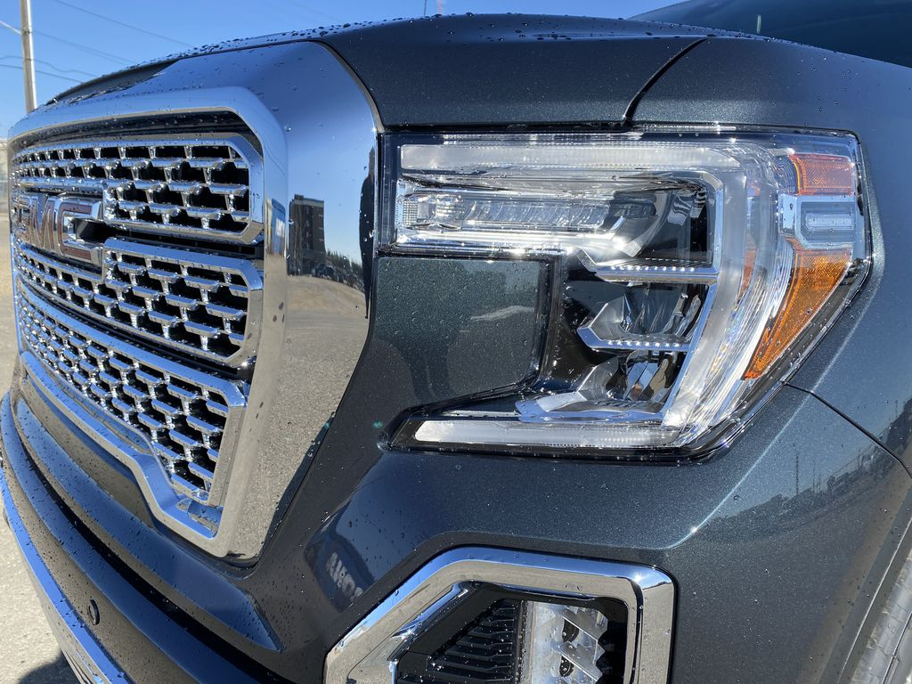 Green[Hunter Metallic] 2021 GMC Sierra 1500 Left Front Head Light / Bumper and Grill in Edmonton AB