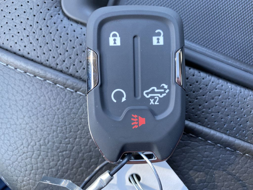 Green[Hunter Metallic] 2021 GMC Sierra 1500 Key and Fob Photo in Edmonton AB