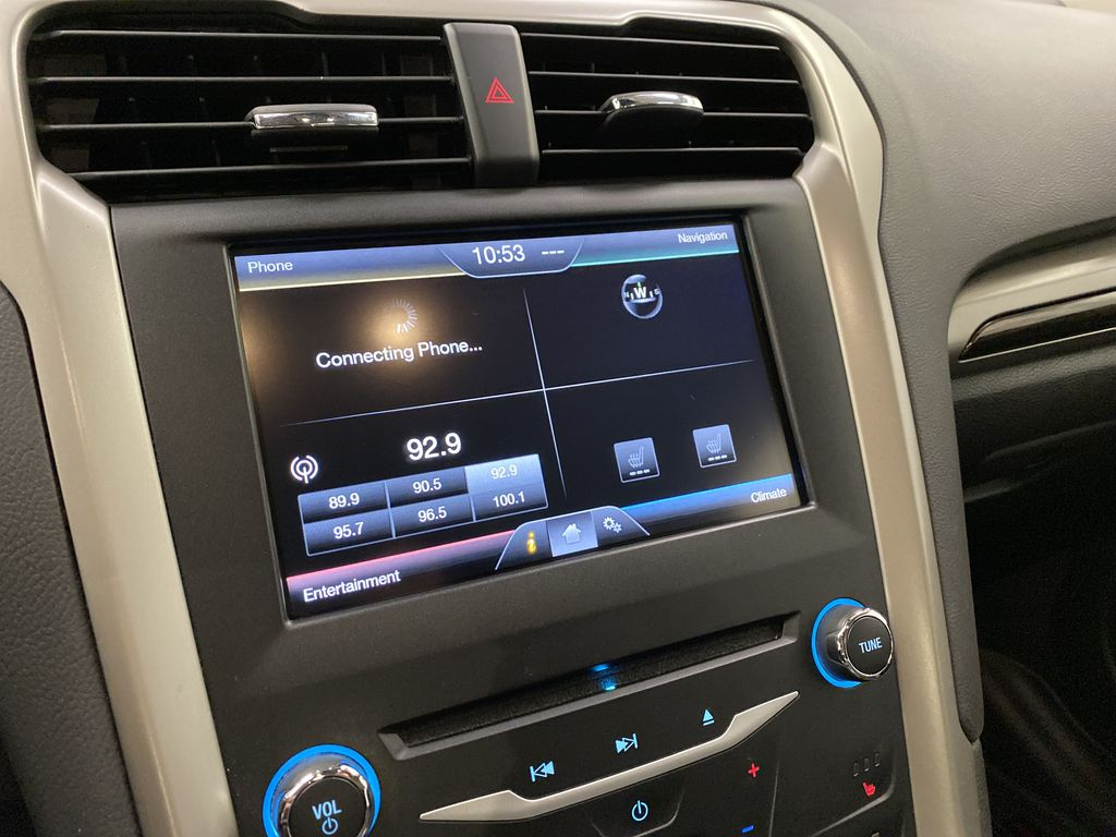 MAGNETIC 2014 Ford Fusion Radio Controls Closeup Photo in Dartmouth NS