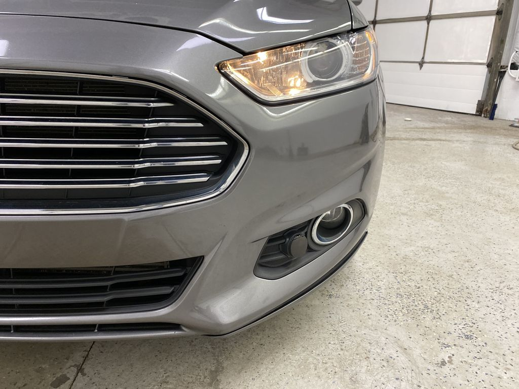 MAGNETIC 2014 Ford Fusion Left Front Head Light / Bumper and Grill in Dartmouth NS