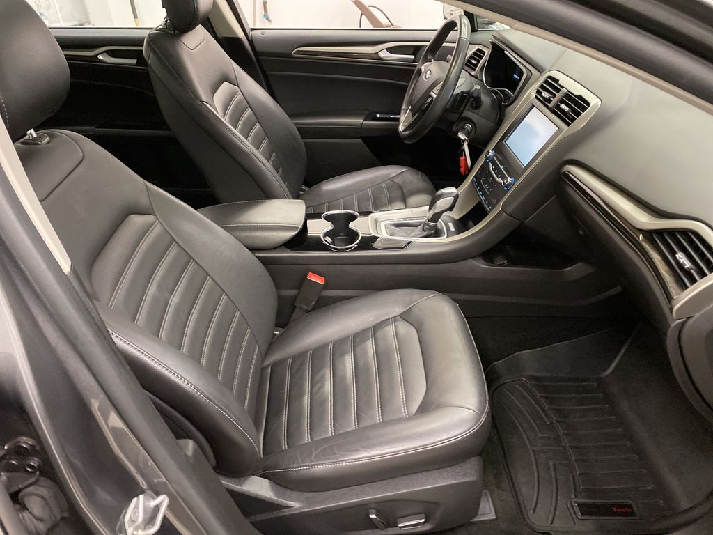 MAGNETIC 2014 Ford Fusion Right Side Front Seat  Photo in Dartmouth NS