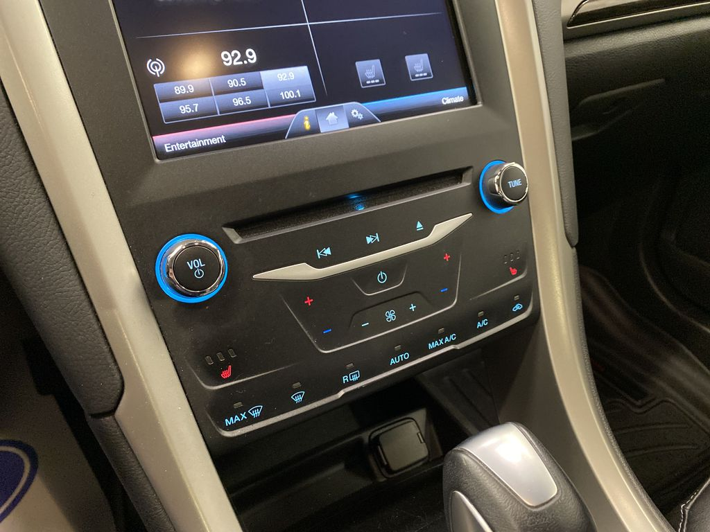 MAGNETIC 2014 Ford Fusion Central Dash Options Photo in Dartmouth NS