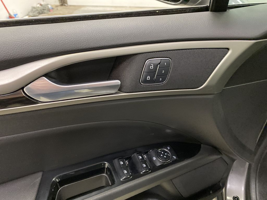 MAGNETIC 2014 Ford Fusion  Driver's Side Door Controls Photo in Dartmouth NS