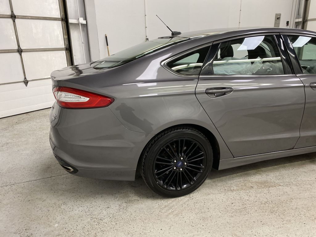 MAGNETIC 2014 Ford Fusion Right Rear Corner Photo in Dartmouth NS