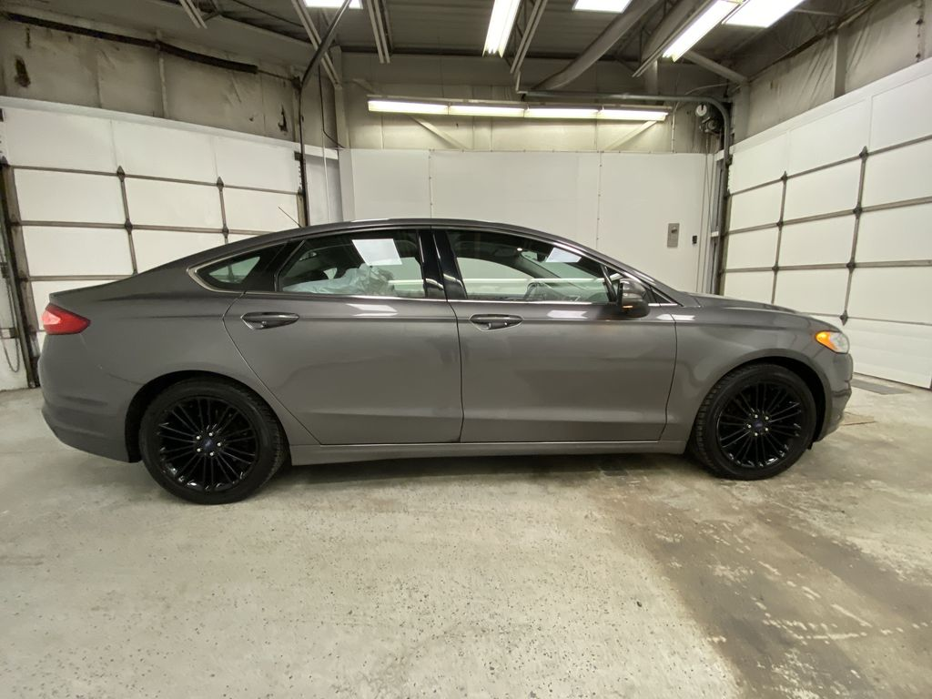 MAGNETIC 2014 Ford Fusion Right Side Photo in Dartmouth NS