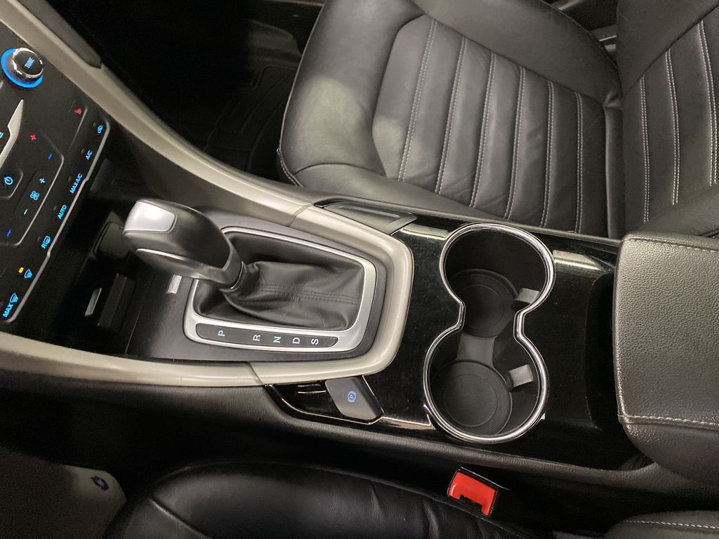 MAGNETIC 2014 Ford Fusion Center Console Photo in Dartmouth NS