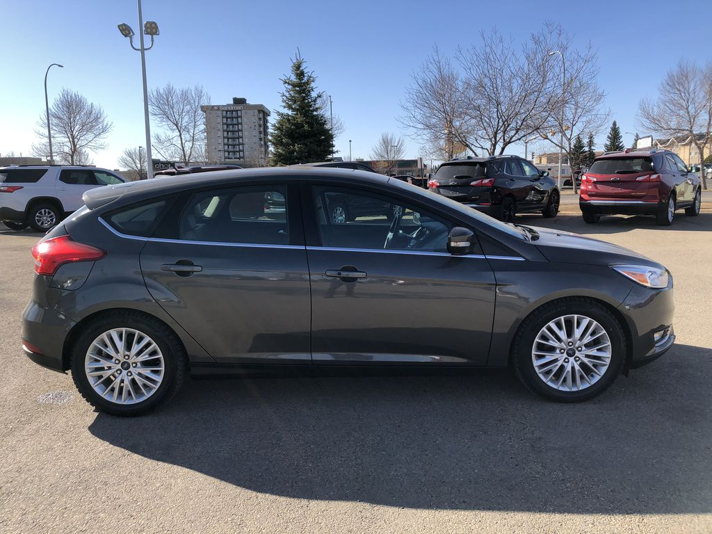 Gray[Magnetic Metallic] 2015 Ford Focus Right Side Photo in Edmonton AB