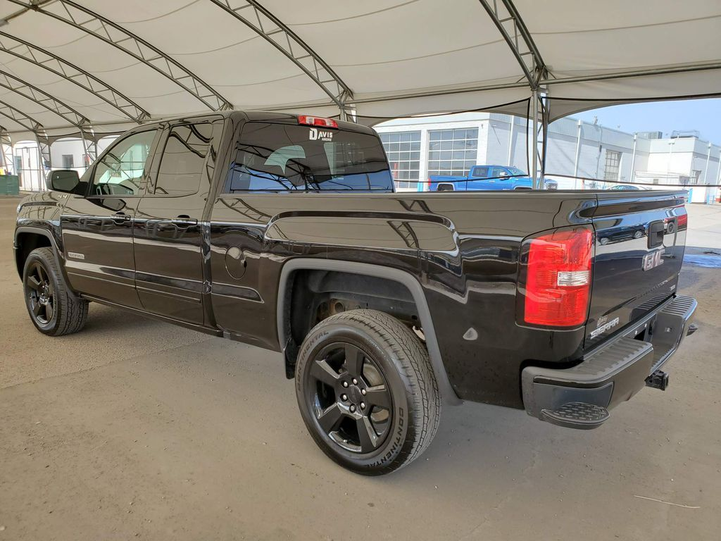 Black 2017 GMC Sierra 1500 Apple Carplay/Android Auto Photo in Airdrie AB