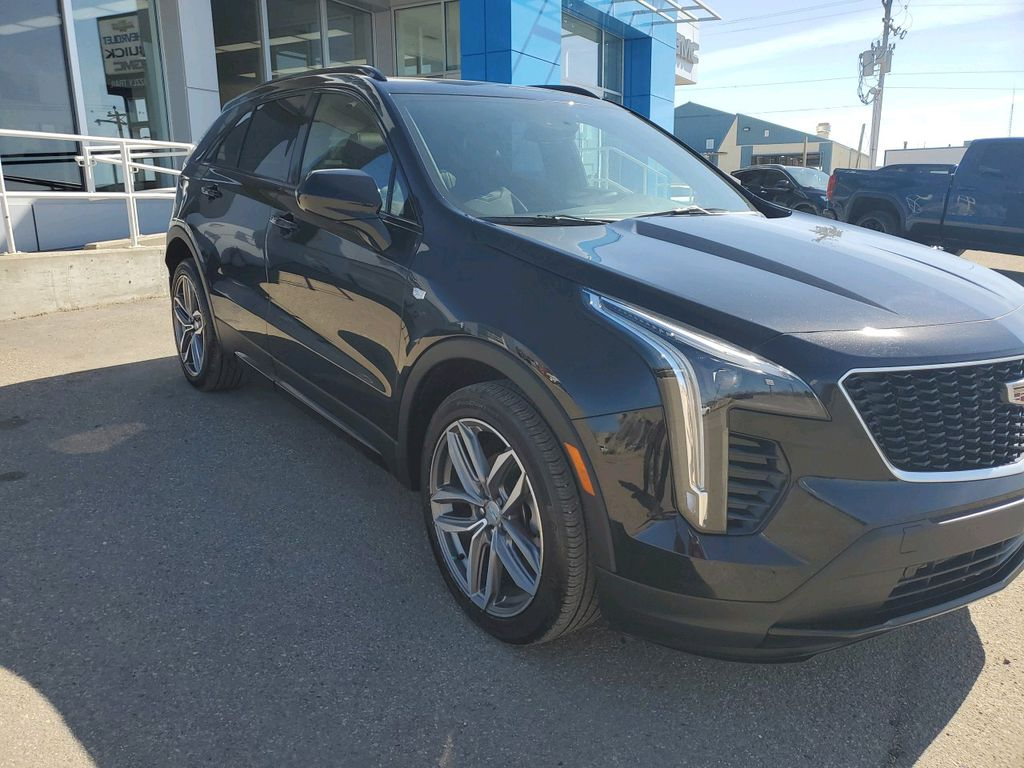 Black 2019 Cadillac XT4 Left Front Rim and Tire Photo in Barrhead AB