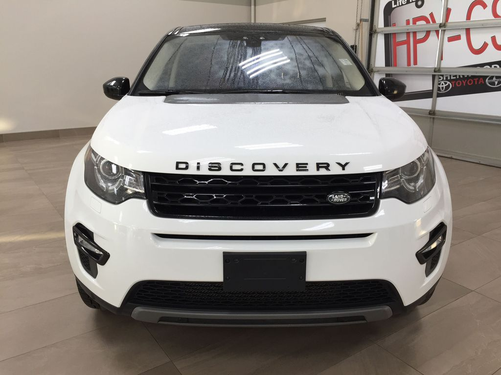 White[Fuji White] 2017 Land Rover Discovery Sport HSE Luxury Front Vehicle Photo in Sherwood Park AB