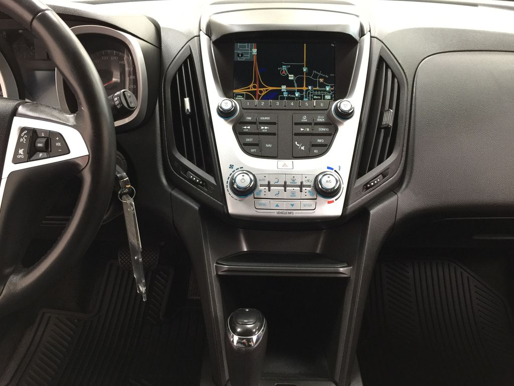 Silver[Silver Ice Metallic] 2016 Chevrolet Equinox LT AWD Central Dash Options Photo in Sherwood Park AB