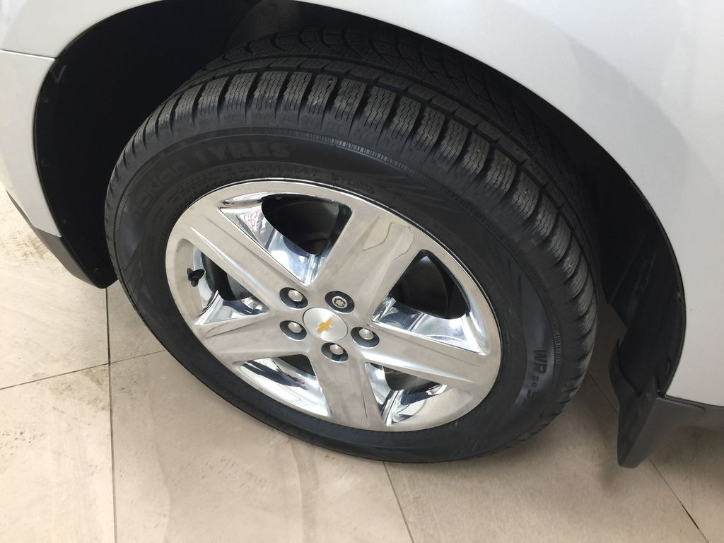 Silver[Silver Ice Metallic] 2016 Chevrolet Equinox LT AWD Left Front Rim and Tire Photo in Sherwood Park AB