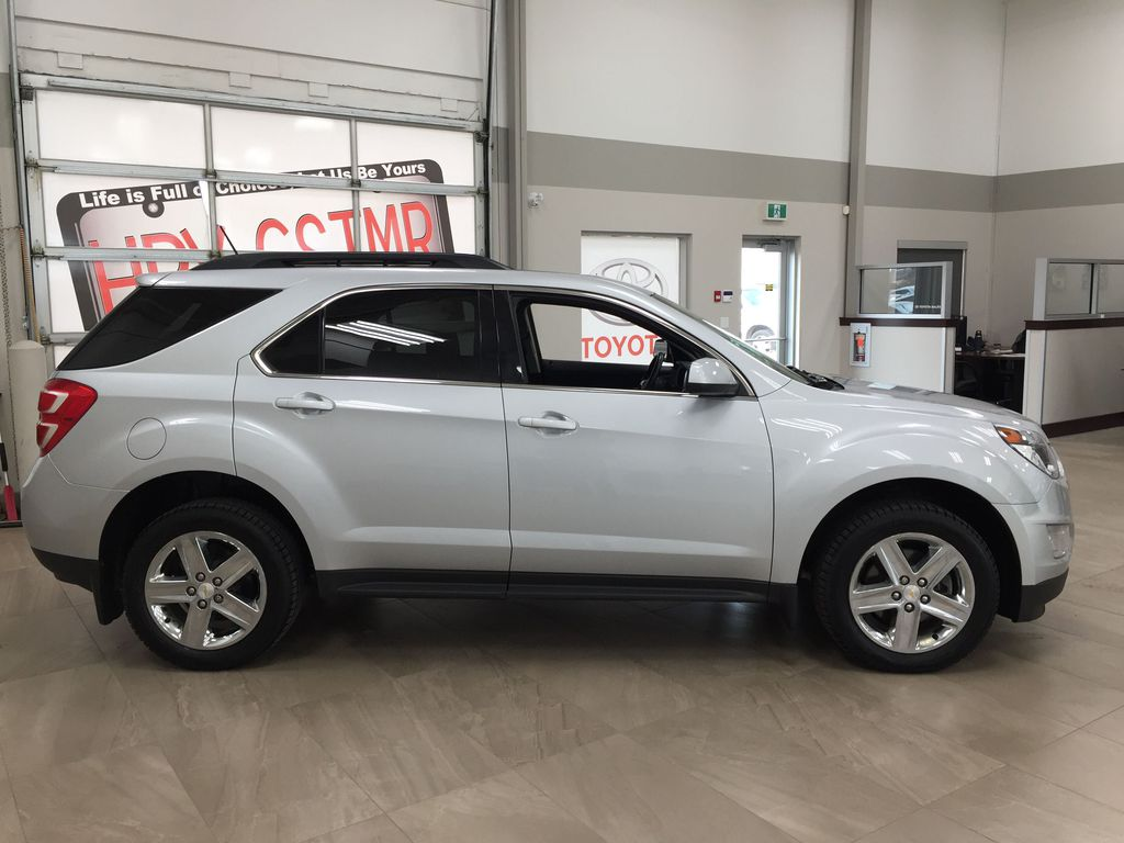 Silver[Silver Ice Metallic] 2016 Chevrolet Equinox LT AWD Right Side Photo in Sherwood Park AB