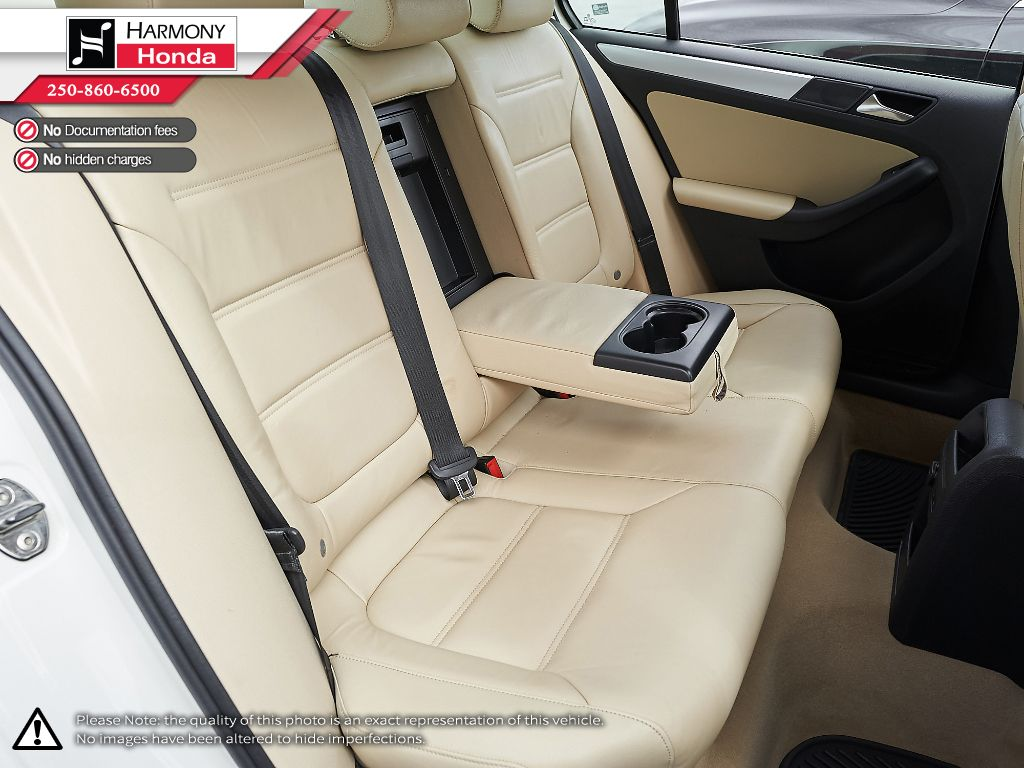 White - Candy White 2012 Volkswagen Jetta Sedan Right Side Front Seat  Photo in Kelowna BC