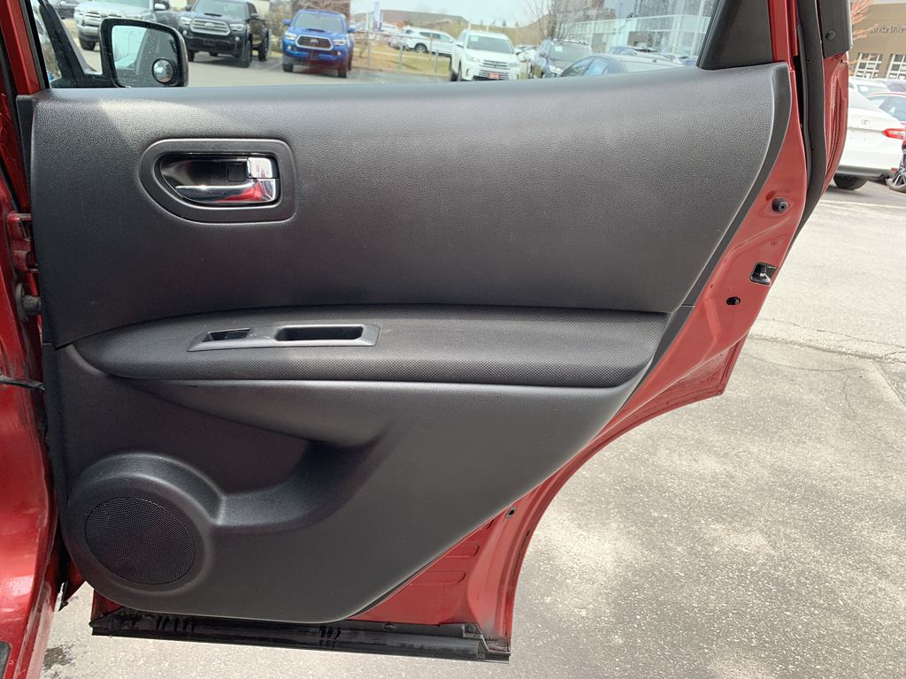 Red[Ignition Red Pearl] 2011 Nissan Rogue Left Rear Corner Photo in Brampton ON