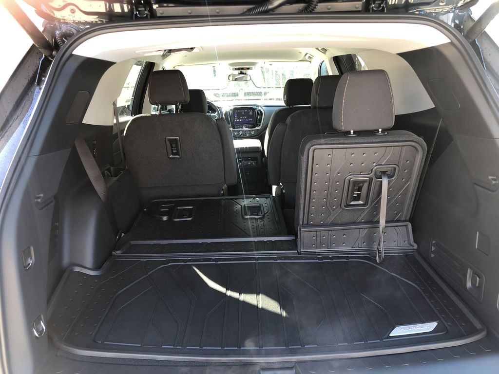 Gray[Graphite Metallic] 2021 Chevrolet Traverse LT Trunk / Cargo Area Photo in Canmore AB