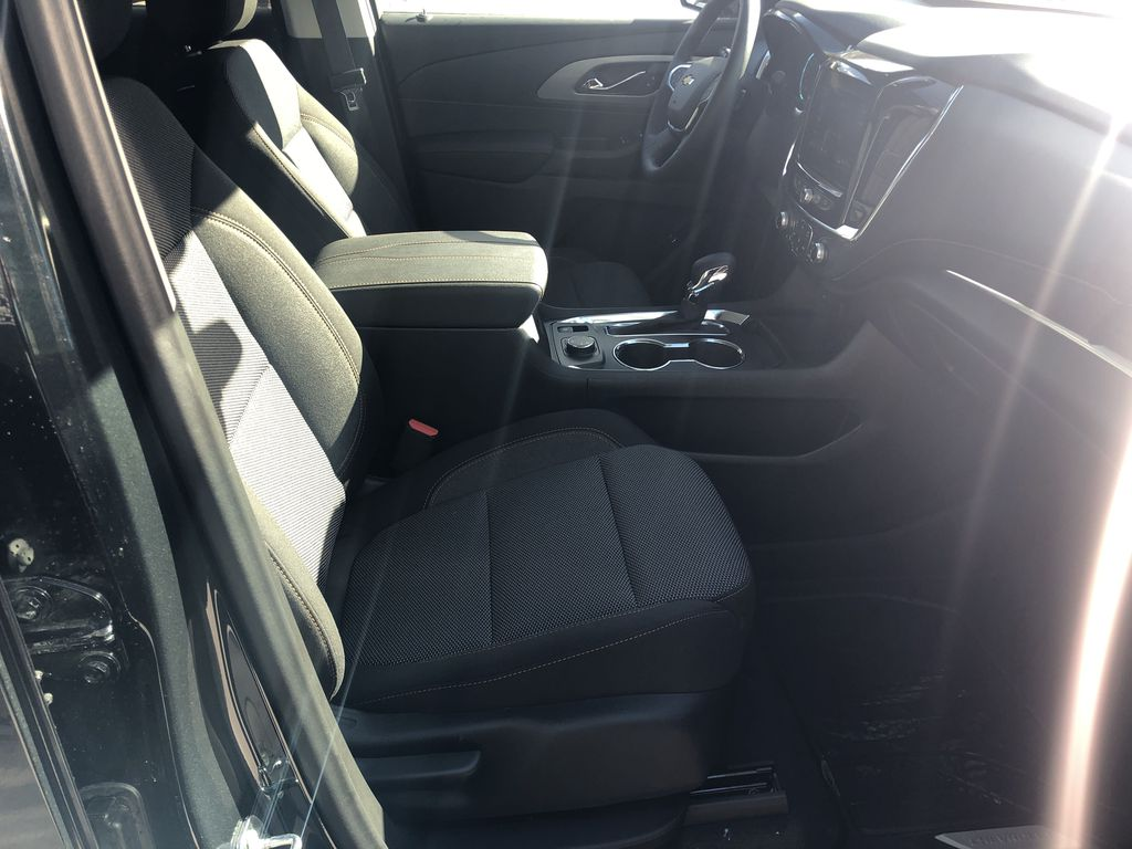 Gray[Graphite Metallic] 2021 Chevrolet Traverse LT Right Side Front Seat  Photo in Canmore AB