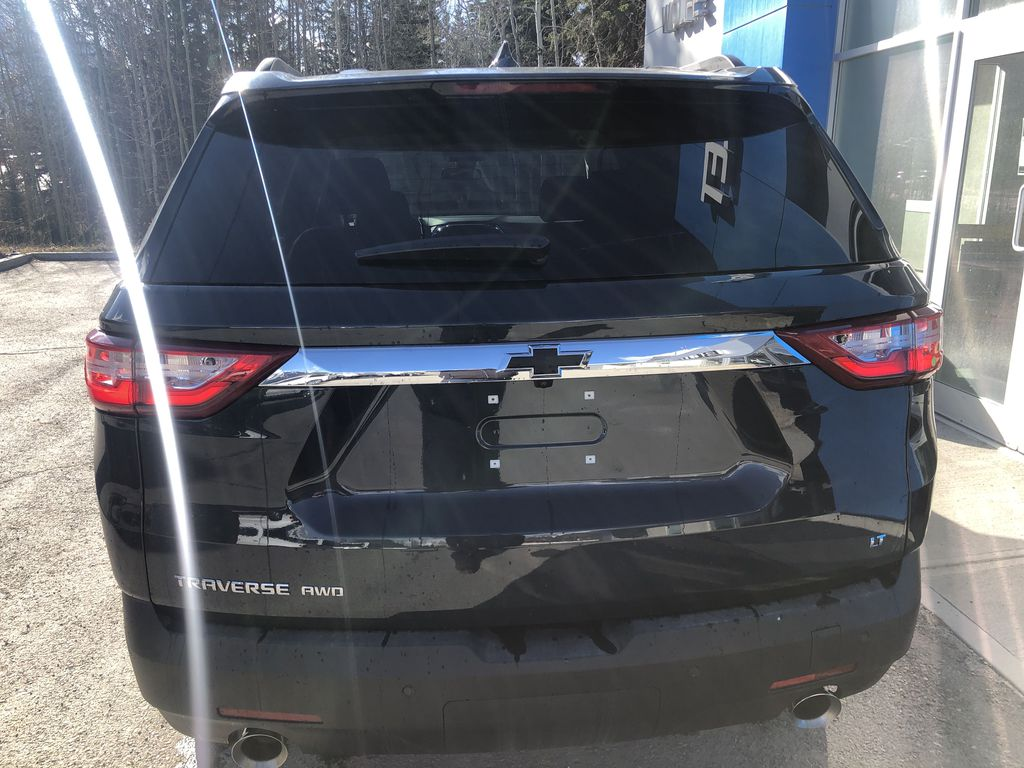 Gray[Graphite Metallic] 2021 Chevrolet Traverse LT Rear of Vehicle Photo in Canmore AB