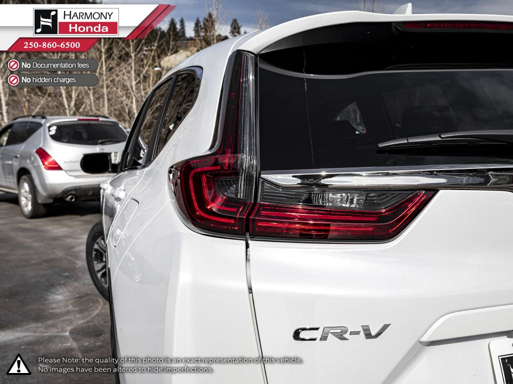 WHITE NH-883 2021 Honda CR-V Rear of Vehicle Photo in Kelowna BC