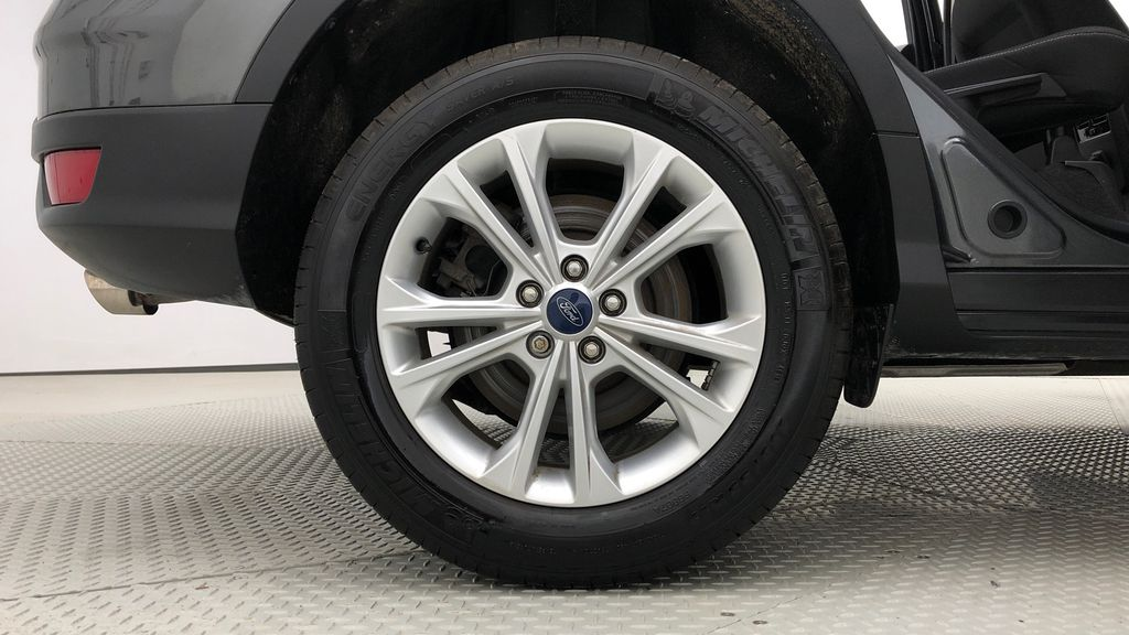 Gray[Magnetic] 2019 Ford Escape SE 4WD - Heated Seats, Backup Camera, MyFord Touch Right Rear Rim and Tire Photo in Winnipeg MB