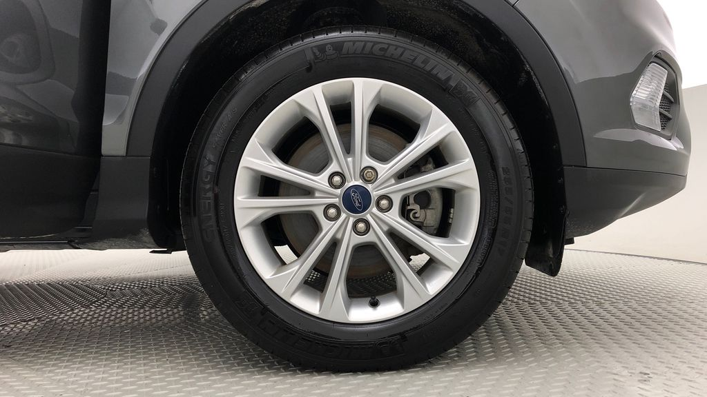 Gray[Magnetic] 2019 Ford Escape SE 4WD - Heated Seats, Backup Camera, MyFord Touch Right Front Rim and Tire Photo in Winnipeg MB