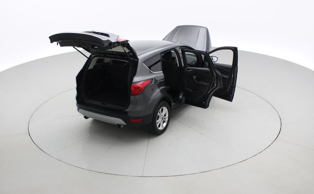 Gray[Magnetic] 2019 Ford Escape SE 4WD - Heated Seats, Backup Camera, MyFord Touch Right  Rear Corner Photo in Winnipeg MB