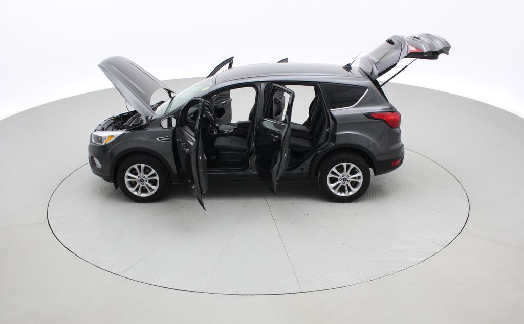 Gray[Magnetic] 2019 Ford Escape SE 4WD - Heated Seats, Backup Camera, MyFord Touch Left Side Photo in Winnipeg MB