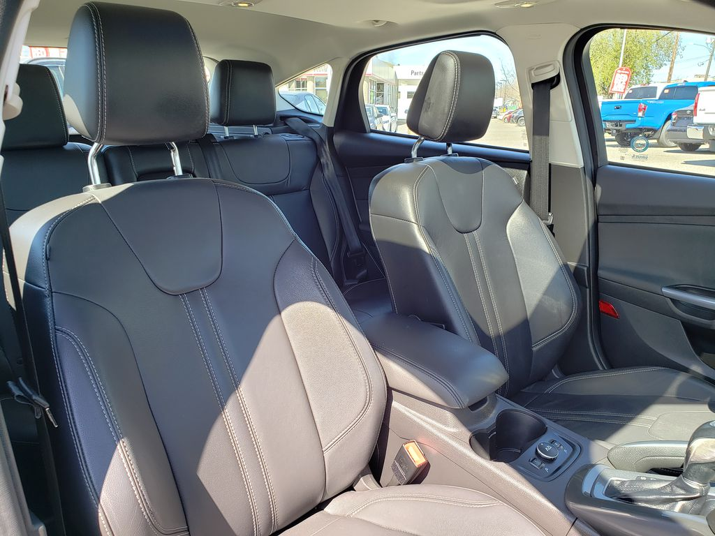 Black[Black] 2012 Ford Focus Right Side Front Seat  Photo in Kelowna BC