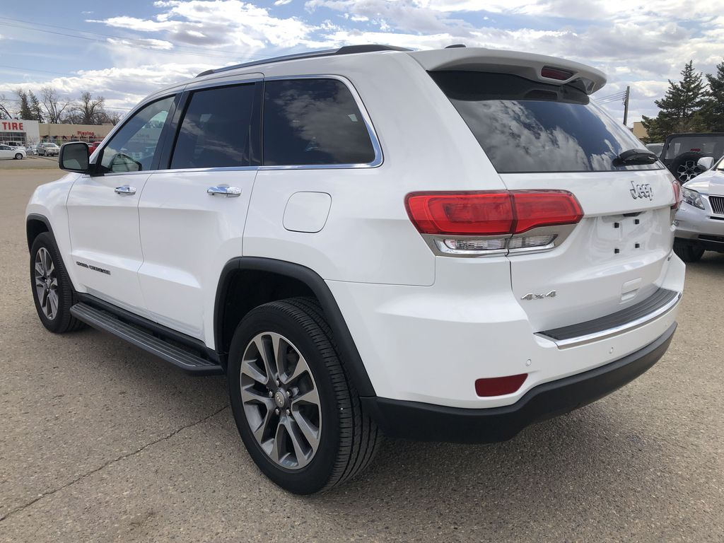 White[Bright White] 2018 Jeep Grand Cherokee Limited *Vented Seats* *Panoramic Sunroof* Left Rear Corner Photo in Brandon MB