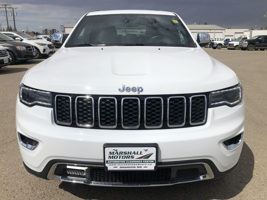 White[Bright White] 2018 Jeep Grand Cherokee Limited *Vented Seats* *Panoramic Sunroof* Front Vehicle Photo in Brandon MB
